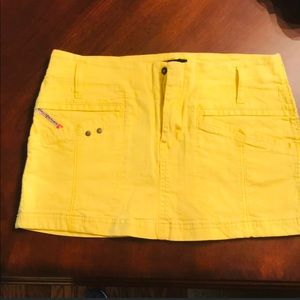 Size 27 yellow Diesel mini skirt
